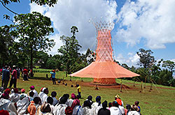 Warka Water also creates a social place for the community, Copyright: Arturo Vittori / Architecture and Vision